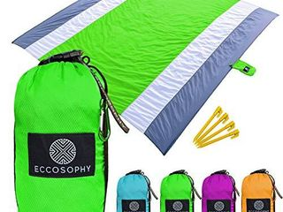ECCOSOPHY Sandproof Beach Blanket   Oversized Sand Free Beach Mat 9 x10    lightweight Outdoor Mat   Double Anchored with 4 Corner Sand Pockets   Plastic Stakes   Heat Proof  Quick Drying   Compact