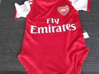 ARSENAl ONSIE for a 9 months