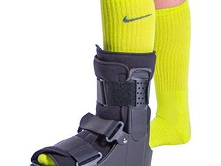 BraceAbility Short Broken Toe Boot   Walker for Fracture Recovery  Protection and Healing After Foot or Ankle Injuries  Small