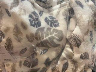 MAnte   Jardin luxury Collection Ultra Plush Throw