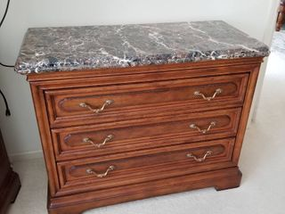 Henredon marble top dresser 35 x 45 x 20 1 2