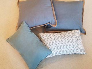 4 pillows
