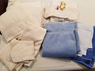Assorted bath towels  hand towels and wash clothes