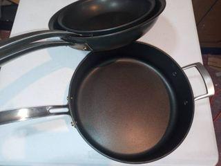 KIRKlAND PANS 10 12 4 7l 3 total