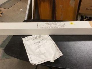 NEW IN BOX  DElUXE NEEDlECRAFT FlOOR STAND