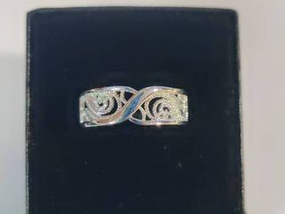 Sterling Silver Beautifully Designed Band Size 6 5