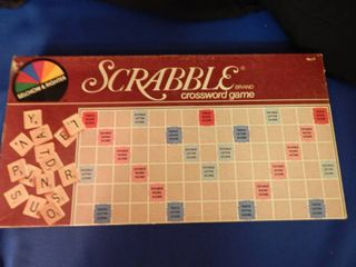 1976 Scrabble Game   Mint Condition Complete