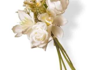 13  Cream Magnolia Bundle Flowers RETAIl  34