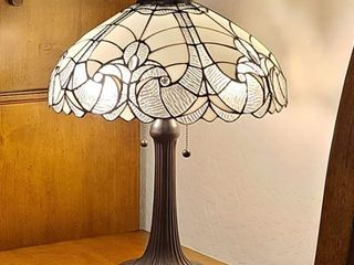 White  Tiffany Style White Table lamp Amora lighting  Retail 150 99