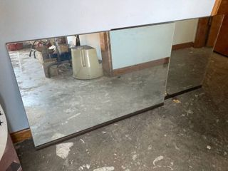 lot  2    36 x 24 mirror doors