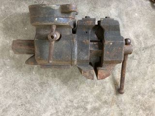Craftsman anvil vise and pipe gripper