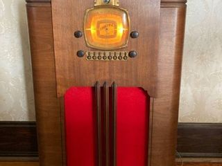 Antique Truetone tube Radio