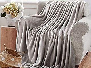 Reafort Ultra Soft Flannel Fleece Royal Plush Velvet lightweight living Room Bedroom Warm Blanket   Blue