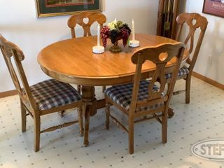 Dining Table 4 Chairs 0 jpg