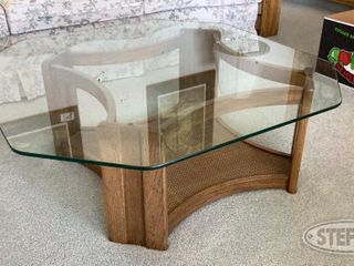 Coffee Table with Matching End Tables lamps 0 jpg