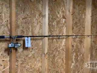 Shakespeare Ugly Stick Fishing Pole Daiwa Reel 0 jpg