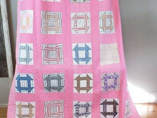 Vintage Quilt   72 x 86 in    Hole in the Barn Door Pattern