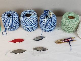 4 Tatting Shuttles  2 Boye   2 Susan Bates  Custom Made Shuttle and 6 Knitting Crochet Cotton Thread Rolls