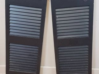 Pair of Black Swing Doors   fits 31 in  opening or more   No mounting hardware