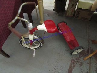 CHIlD S TRICYClE