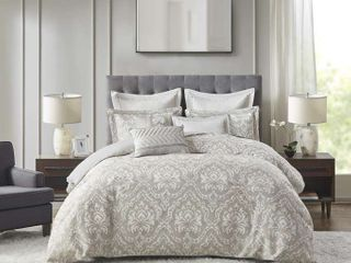 Madison Park Signature Manor Comforter Set Queen 8 piece Retail   299 00