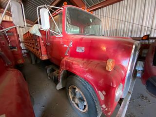 1975 Ford 750  35 462 Miles