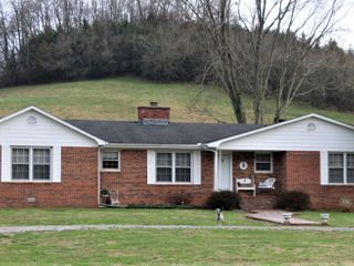 House & 80 Acres in Tracts - Petersburg