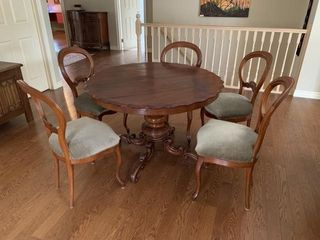 Georgian Period Pedestal Table Chairs