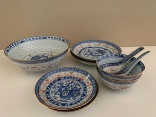 Chinese Porcelain Dragon Dinnerware