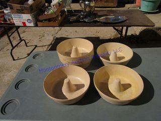 BUNDT PANS