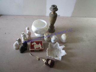 MIlK GlASS  AVON