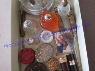 VINTAGE lADIES COMPACTS