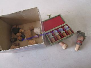 NOVElTY CORKS