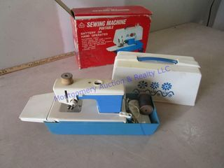CHIlDS SEWING MACHINE