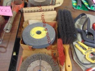 Group of wire whls  grind whls  brushes