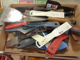 1 Flat of putty knives