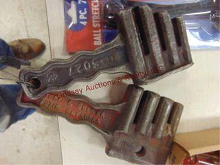 2 steel   roller chain detachers