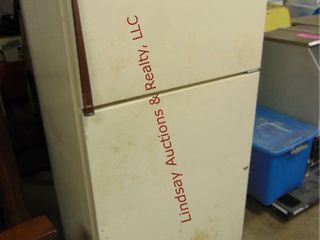 Refrigerator 33 x 26 x 66