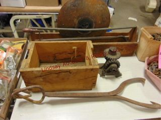 2 wood crates  manual jack  largs tongs   other