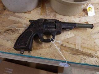 TOY PRESSED STEEl GUN
