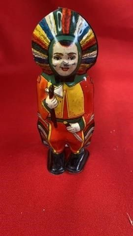VINTAGE WINDE UP TIN INDIAN TOYIJ5 1 4 IN