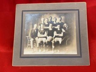 PHOTO OF MCPHERSON COllEGE BASKETBAll 1911 12