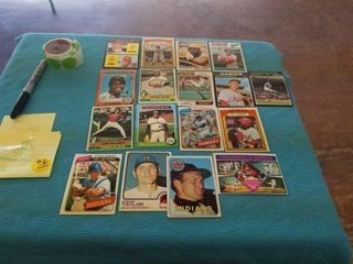 VINTAGE EARlY 1970 S TOPPS BASEBAll CARDS