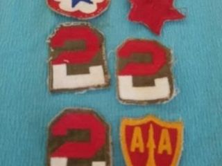 VINTAGE WORlD WAR 2 MIlITARY PATCHES