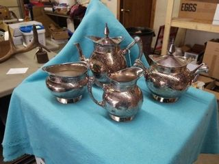 VICTORIAN SIlVER PlATE SET  4 PIECES  MADE BY