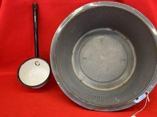 ENAMEl  GRANITE WARE DISH PAN AND DIPPER