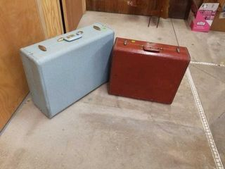 BlUE AND BROWN VINTAGE SUIT CASES