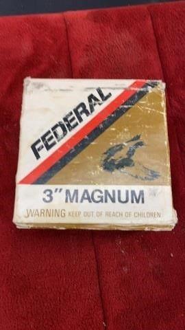 BOX OF FEDERAl 3IJ MAGNUM SHOTGUN SHEllS
