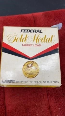BOX OF FEDERAl 12 GUAGE SHOTGUN SHEllS