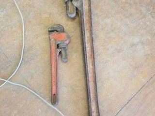 2 PIPE WRENCHES  10  AND 24